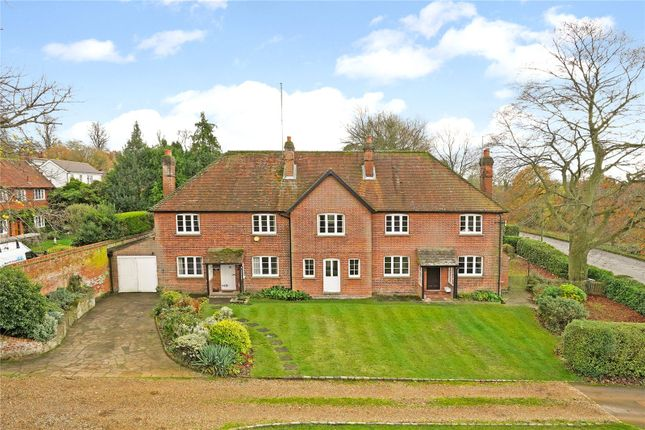 5 bed equestrian property
