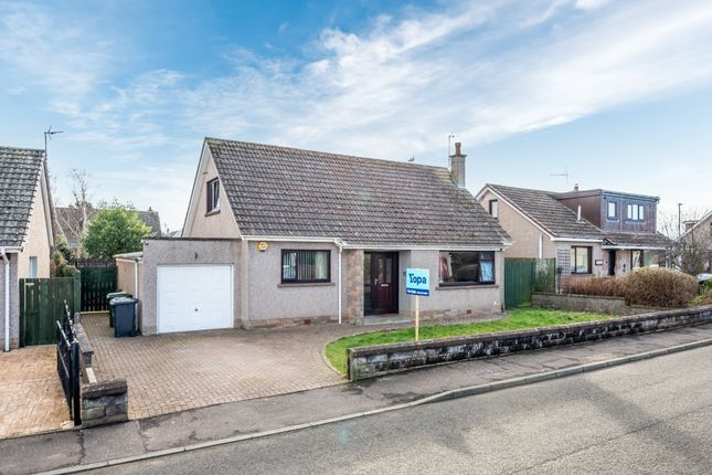 4 bed detached house